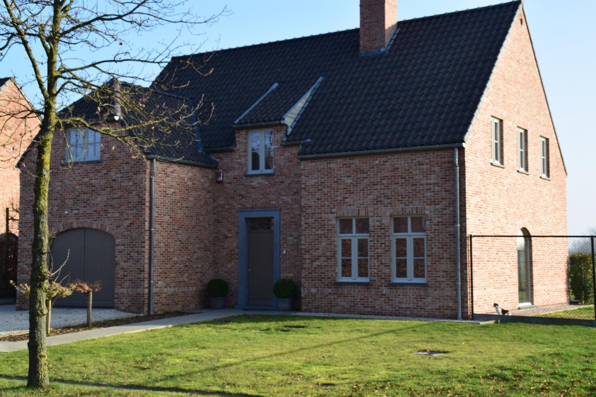 Woningbouw speybroeck eke pastorijwoning woning for Landelijke woning te koop